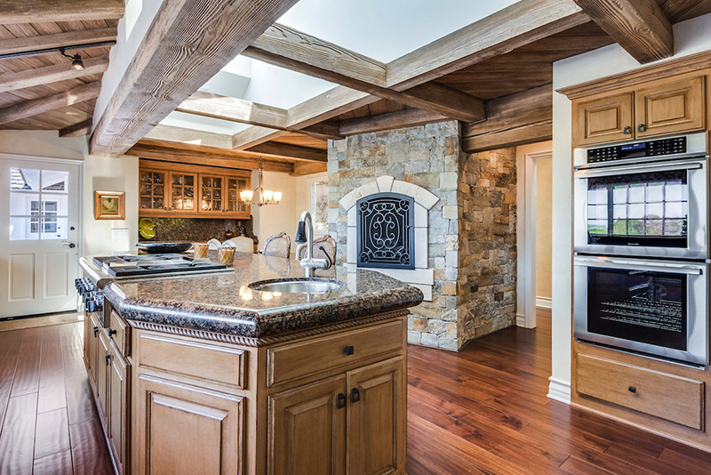 Middle 11 Kitchen Island With Sink And Stove In Home At 6